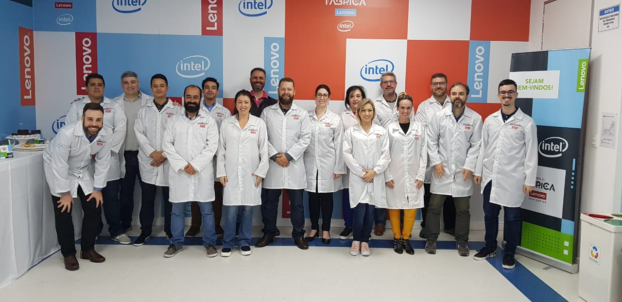 Servix team visits Lenovo factory in Indaiatuba
